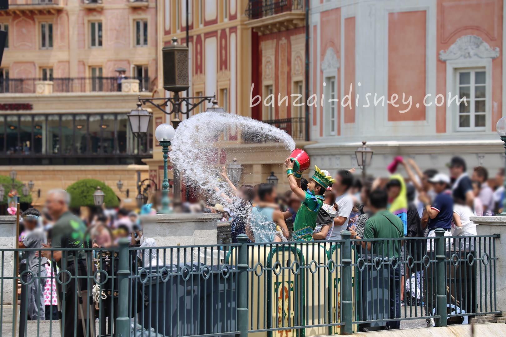 夏ディズニー夏イベント「濡れる」対策で準備したい4つのもの